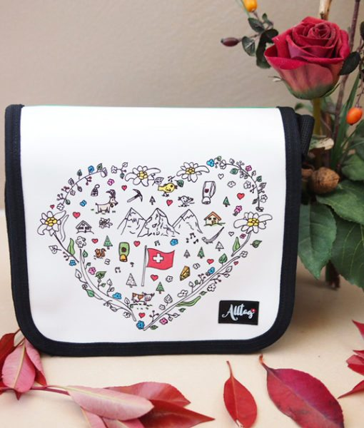 Alltagtasche-Schweizer-Kollektion-Handmade-Handtasche-Herz-Motiv